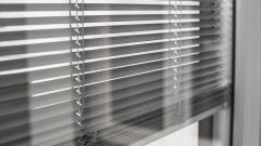 Tendine-interne-vetro-Serbaplast-Serramenti-in-PVC-1